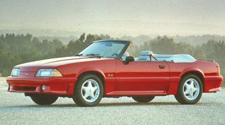 Main photo of Bally Dhillon's 1993 Ford Mustang