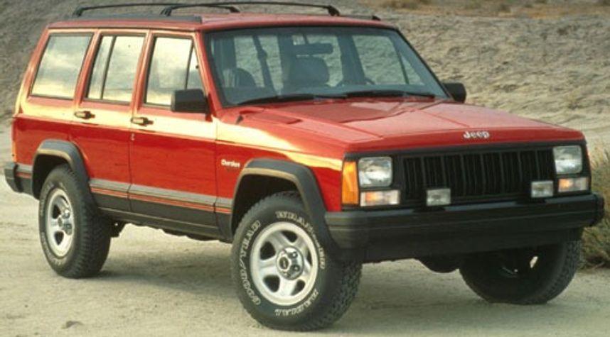 Main photo of Daniel Mills's 1993 Jeep Cherokee