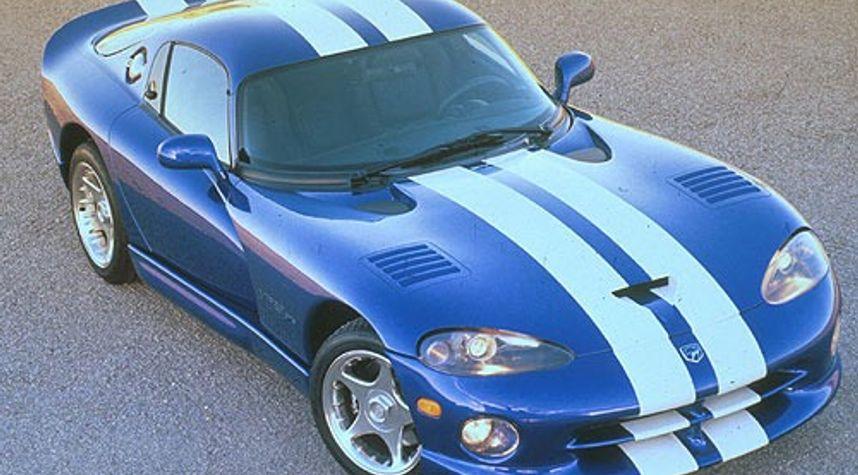 Main photo of Travis Koch's 1996 Dodge Viper