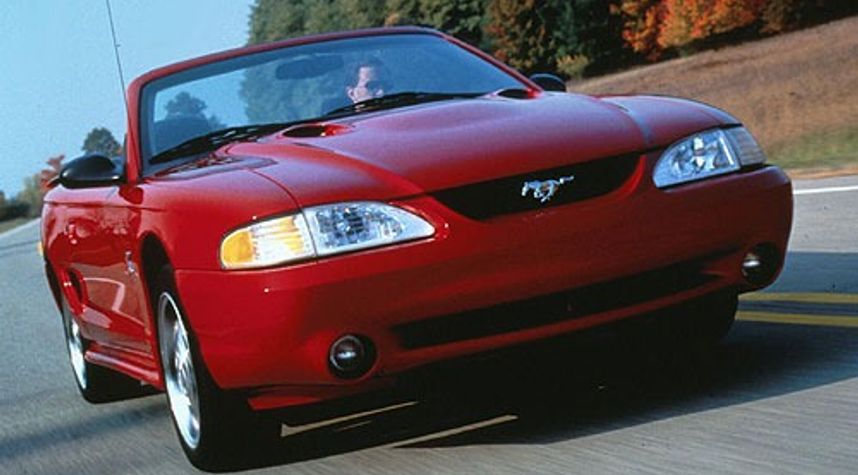 Main photo of Bailey Fritz's 1996 Ford Mustang