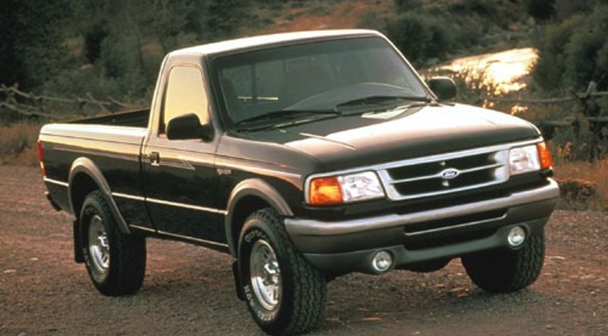 Main photo of Adam DeBoer's 1996 Ford Ranger