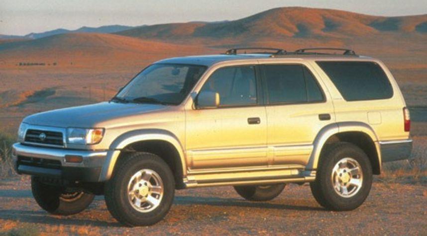 Main photo of Skyler Taylor's 1996 Toyota 4Runner