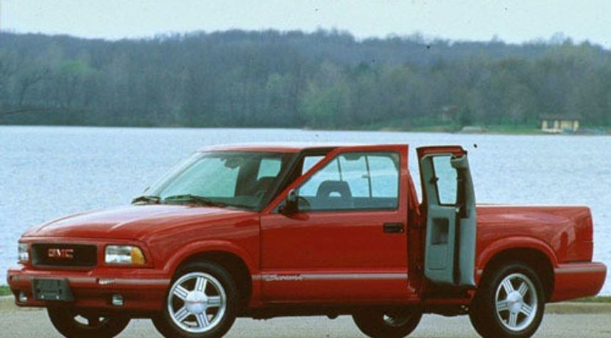 Main photo of Josh Buck's 1997 GMC Sonoma
