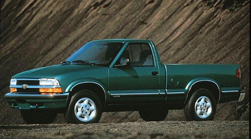 Main photo of Jason White's 1998 Chevrolet S-10