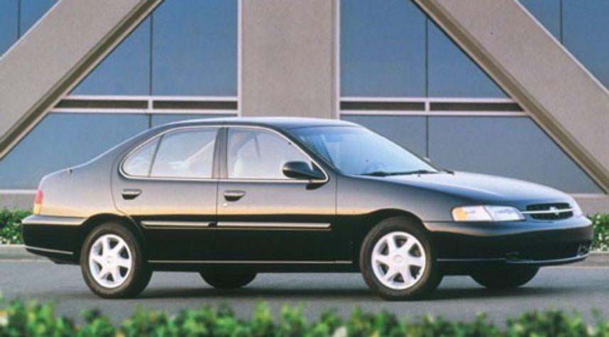 Main photo of Dan Wenzel's 1998 Nissan Altima