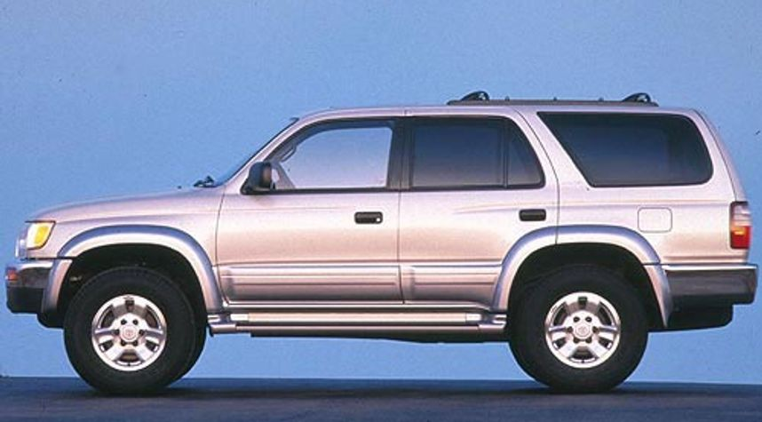 Main photo of Jax Leonard's 1998 Toyota 4Runner
