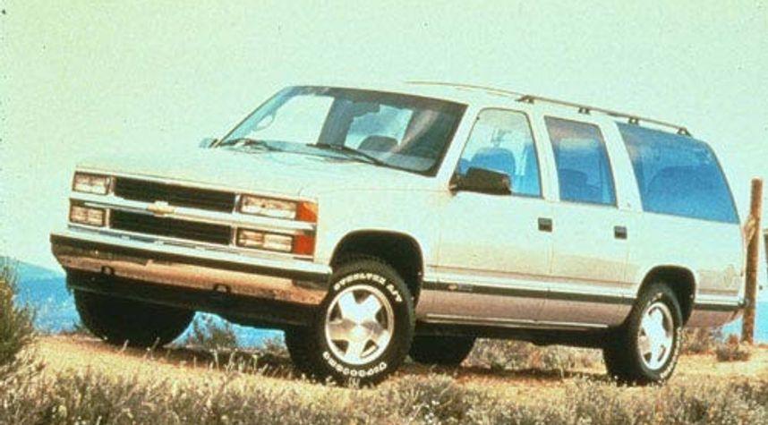 Main photo of Bryan Torres's 1999 Chevrolet Suburban