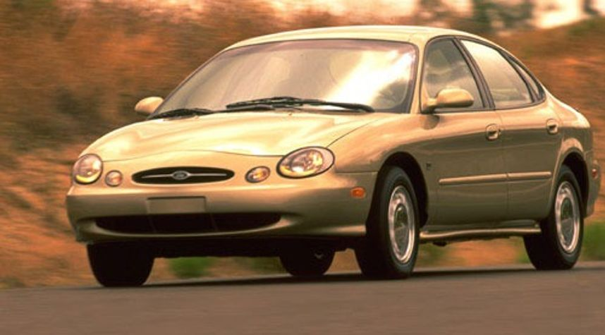 Main photo of Anna Wu's 1999 Ford Taurus