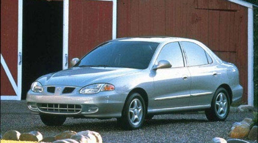 Main photo of Dean Van Deventer's 1999 Hyundai Elantra