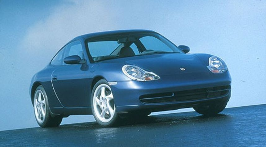 Main photo of Fernando Ramirez's 1999 Porsche 911