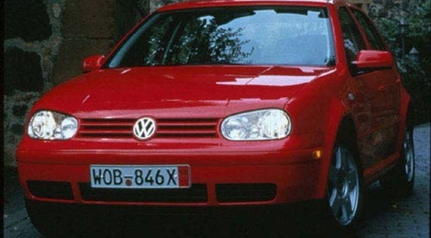 Main photo of Chris Orozco's 1999 Volkswagen Golf
