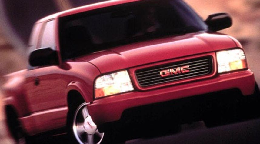 Main photo of Travis Himel's 2000 GMC Sonoma