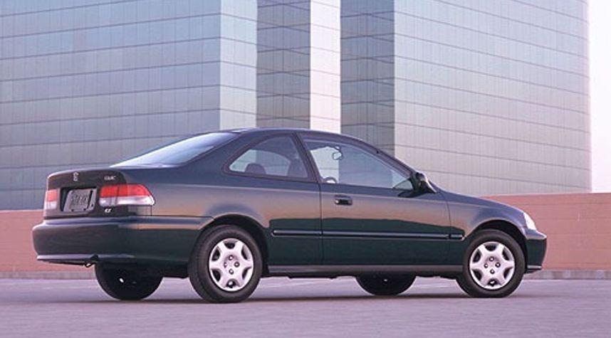 Main photo of Dominick Goad's 2000 Honda Civic