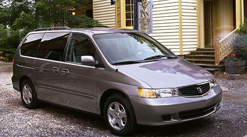 Main photo of Christopher Scotland's 2000 Honda Odyssey