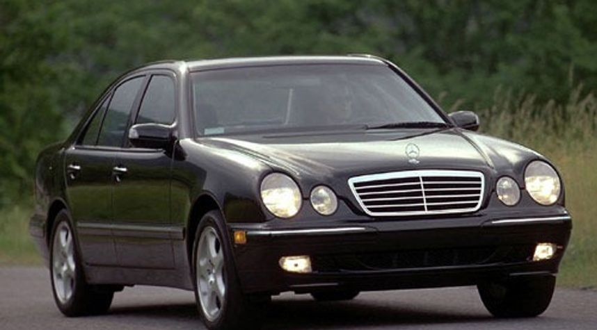 Main photo of Rine Ruci's 2000 Mercedes-Benz E-Class