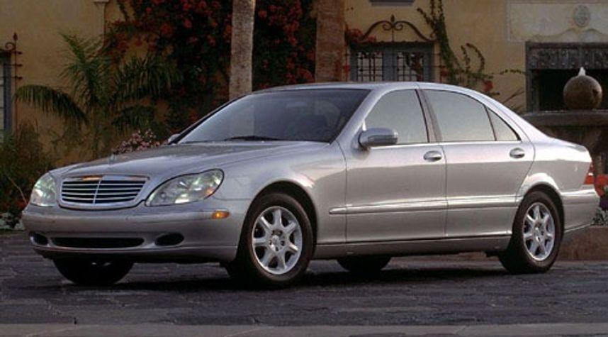 Main photo of Jarett Hayes's 2000 Mercedes-Benz S-Class