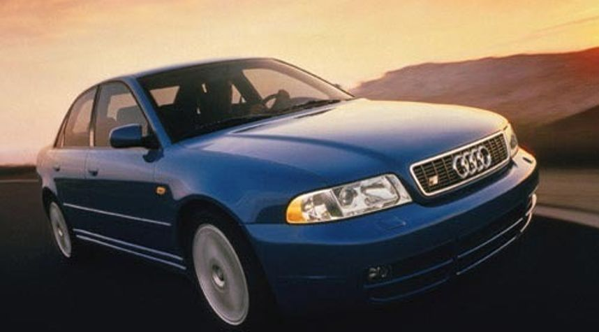 Main photo of Adem Krlic's 2001 Audi S4