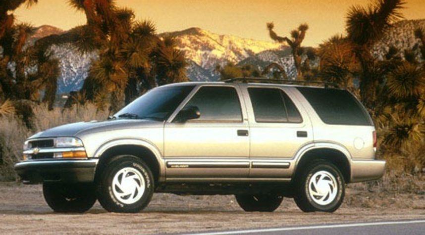 Main photo of Carlos Lopez's 2001 Chevrolet Blazer