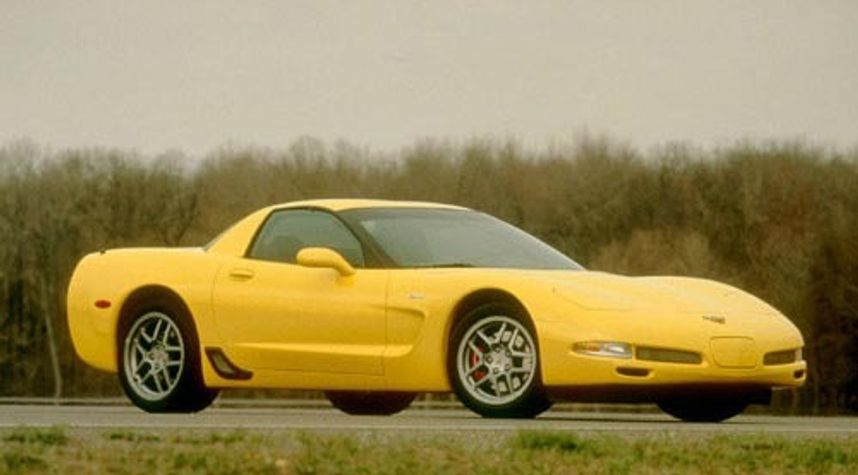 Main photo of Tyler Bonner's 2001 Chevrolet Corvette