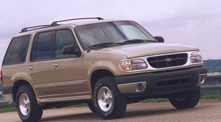 Main photo of Thomas Williams's 2001 Ford Explorer