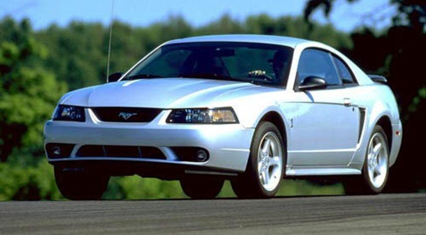 Main photo of Timothy Sanusi's 2001 Ford Mustang