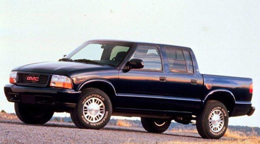Main photo of William Landkamer's 2001 GMC Sonoma