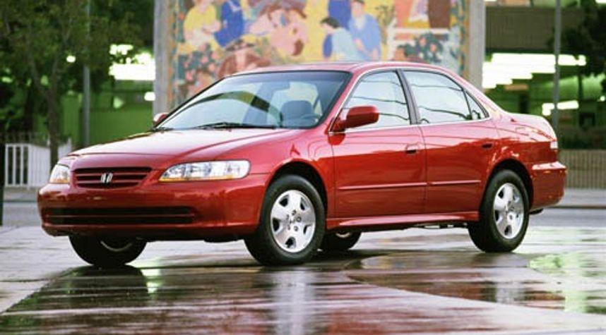 Main photo of Victor Martinez's 2001 Honda Accord
