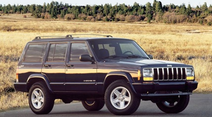 Main photo of Yiannis Vlahopoulos's 2001 Jeep Cherokee