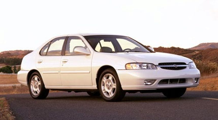 Main photo of Gregory Snyder's 2001 Nissan Altima