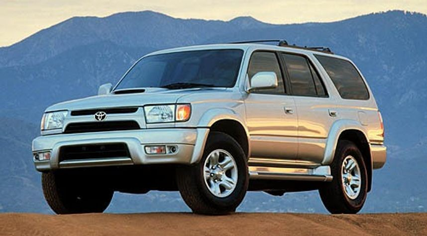 Main photo of Connor Pence's 2001 Toyota 4Runner