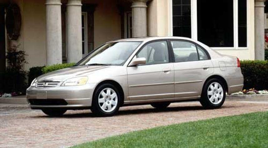 Main photo of Angel Baeza's 2002 Honda Civic