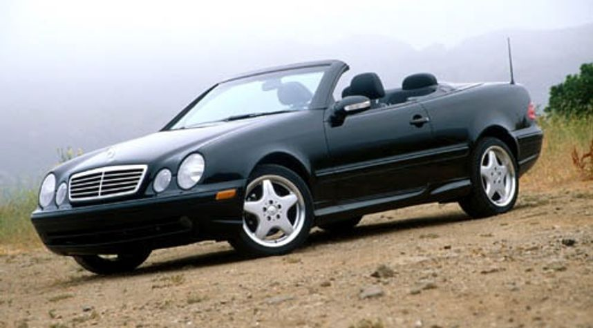 Main photo of Owen Nichols's 2002 Mercedes-Benz CLK-Class