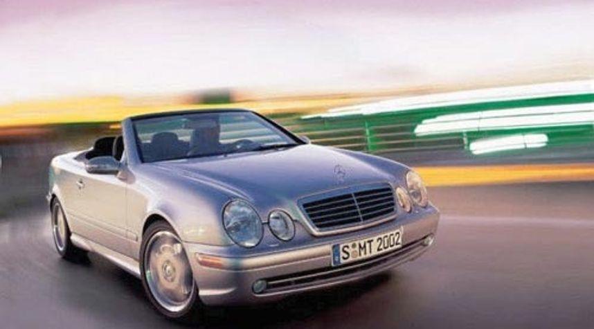 Main photo of Pedro  Santos's 2002 Mercedes-Benz CLK-Class