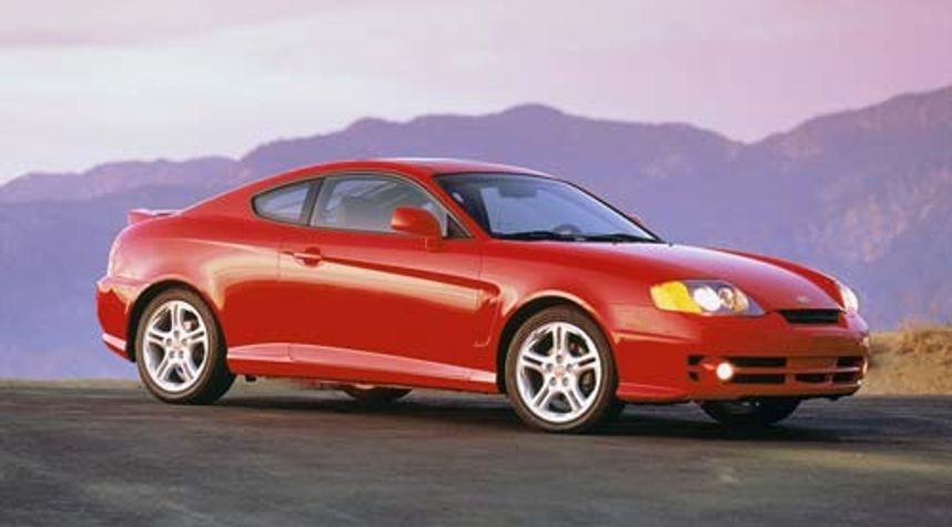 Main photo of Oly Martin's 2003 Hyundai Tiburon