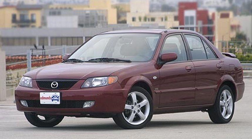 Main photo of Erick Nuevo-Morales's 2003 Mazda Protege