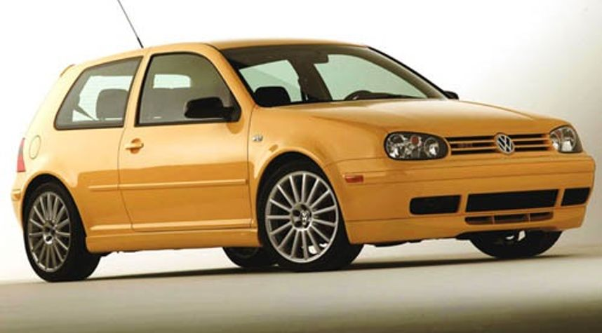 Main photo of Oliver Arias's 2003 Volkswagen GTI