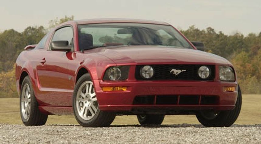Main photo of Johnny Fort's 2006 Ford Mustang
