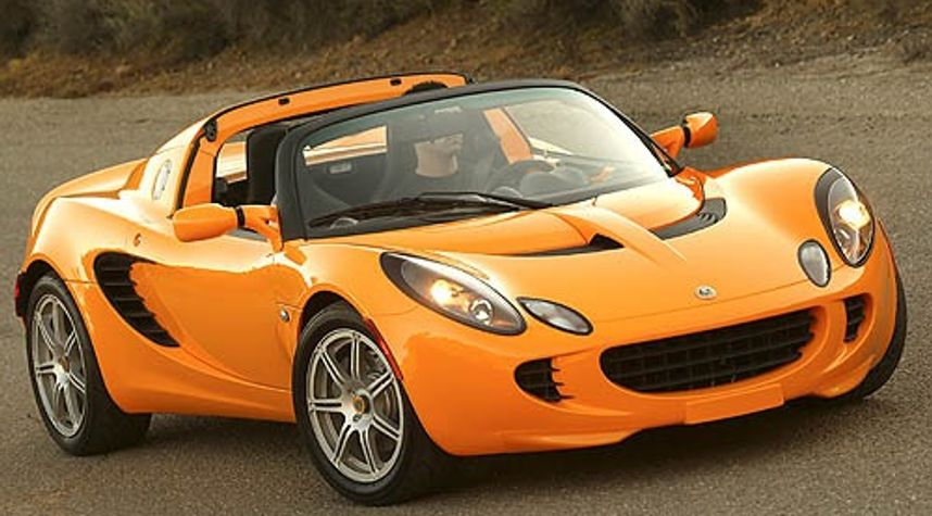 Main photo of Blake Jolin's 2006 Lotus Elise