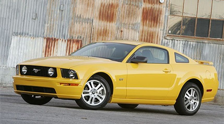 Main photo of Rick White's 2007 Ford Mustang