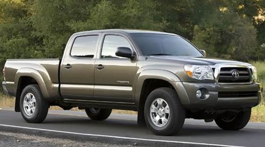Main photo of Jacob Hoell's 2009 Toyota Tacoma