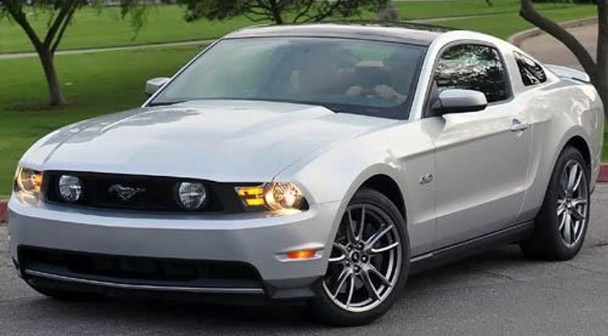 Main photo of Craig Hager's 2011 Ford Mustang