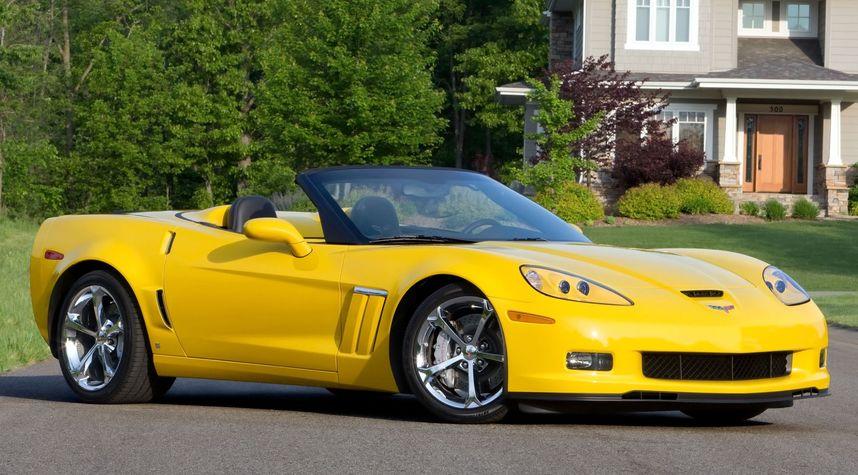 Main photo of Derek Yarbrough's 2012 Chevrolet Corvette