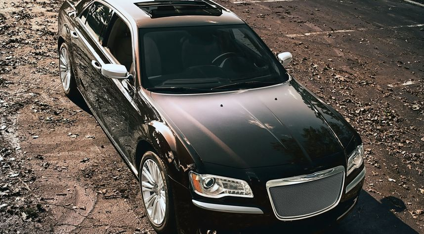 Main photo of Jose Quiroz's 2012 Chrysler 300