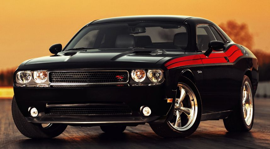 Main photo of Earl Webb's 2012 Dodge Challenger