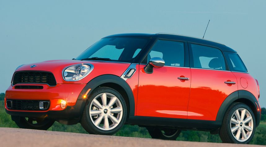 Main photo of Zacharie Sedgebeer's 2012 MINI Cooper Countryman