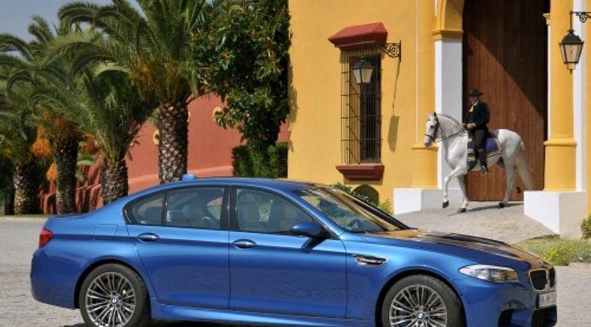 Main photo of Dat Le's 2013 BMW M5