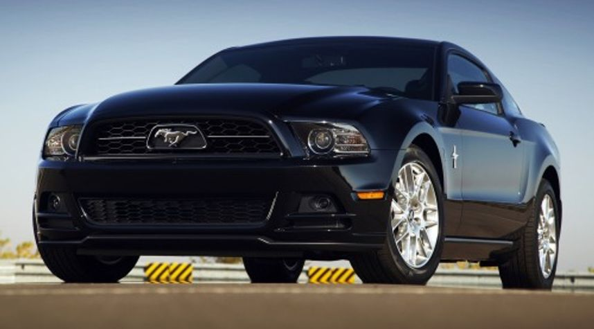 Main photo of Salvesh Singh's 2013 Ford Mustang