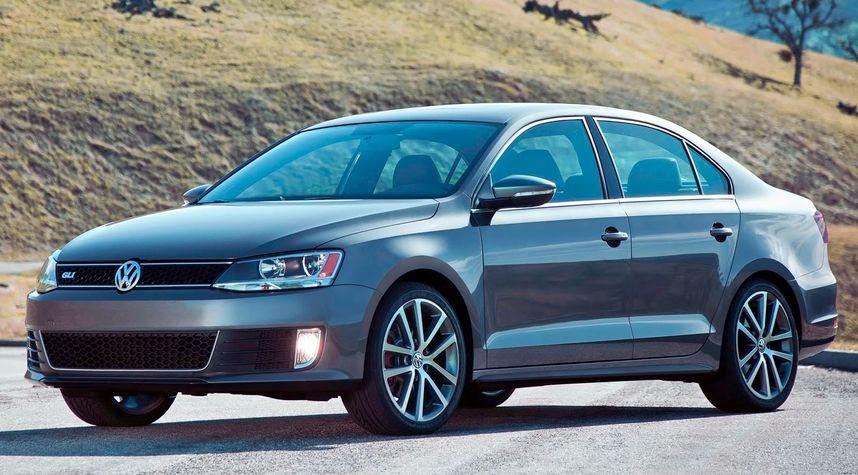 Main photo of Nathan Barry's 2013 Volkswagen Jetta GLI