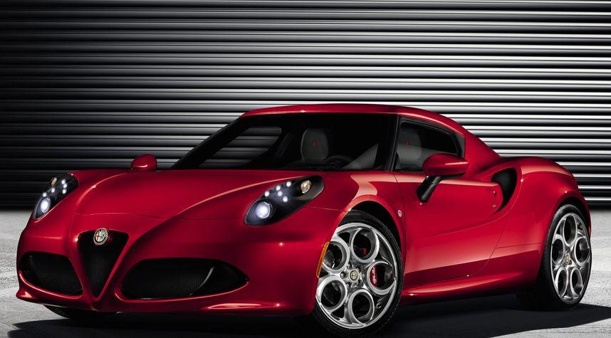 Main photo of Jules Bui's 2015 Alfa Romeo 4C