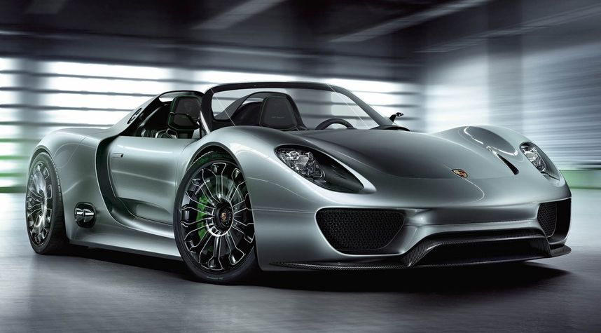 Main photo of Agustin Cartes's 2015 Porsche 918 Spyder